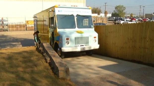 [DFW] Food Truck Park Ready for Business