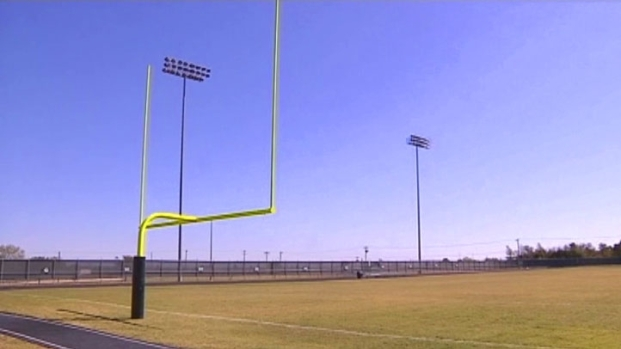 [DFW] High School Football Player Injured