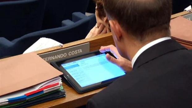 [DFW] City Council Using iPads Instead of Agenda Packets