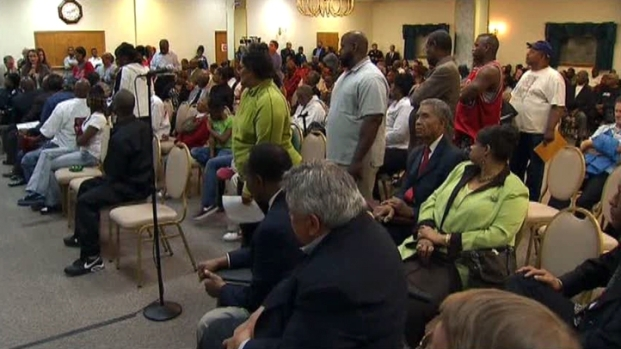[DFW] Fort Worth Police, Residents Meet After Controversial Shooting