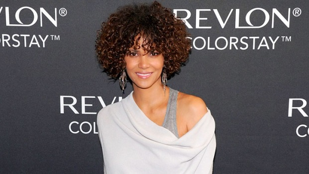 [NBCAH] Halle Berry Speaks Out Against Paparazzi at Schools