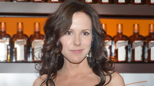 "[NATL] Mary Louise Parker On Working With Anthony Hopkins In ""Red 2"""