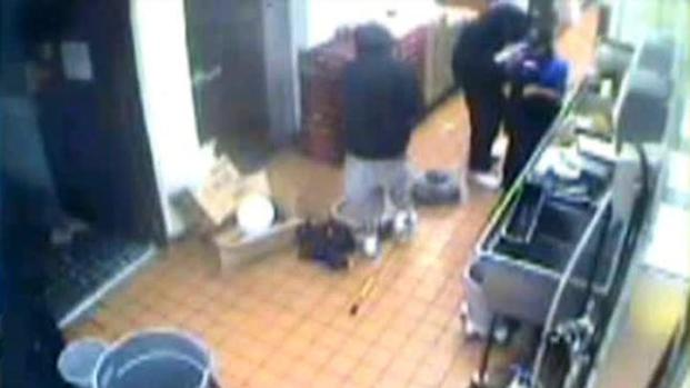 [DFW] Surveillance Video Shows Robbery Attempt at McDonalds