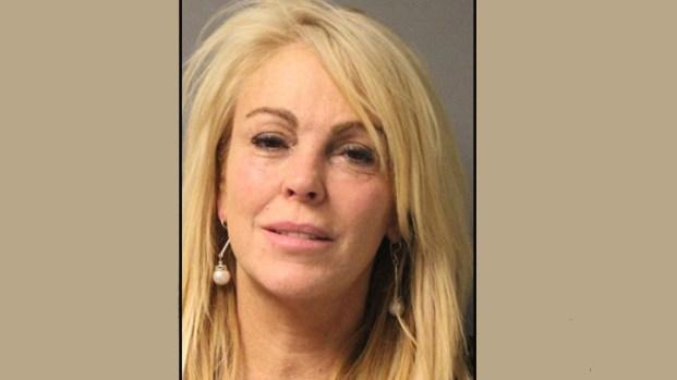 [NY] Dina Lohan Arrested for DWI