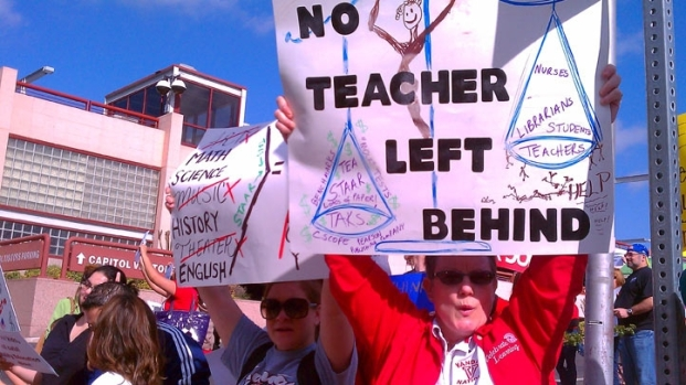 [DFW] Texas Teachers Rally Against Budget Cuts