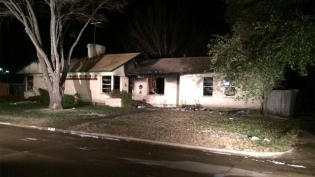 [DFW] Man Killed in Early Thursday House Fire