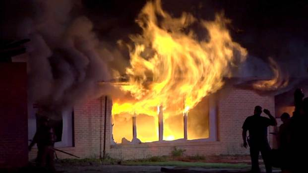 [DFW] Fire Torches Abandoned School in Southeast Dallas