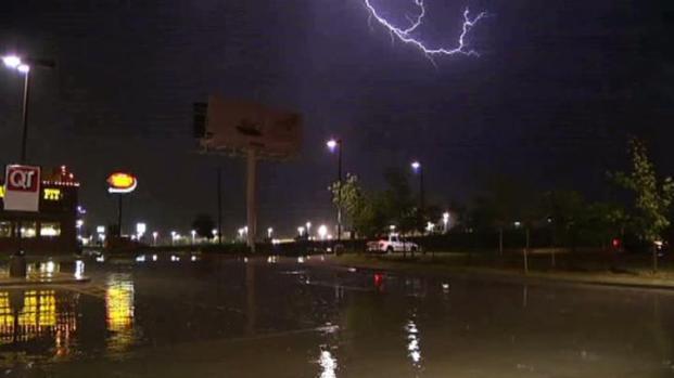 [DFW] Rain Falls in Denton During Storm