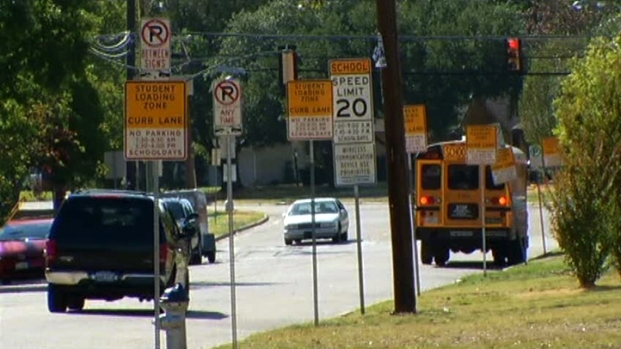[DFW] Neighbors Work to Make Streets Safer for Schoolkids