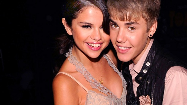 [NATL] Taylor Swift, Selena Gomez Win Big at Teen Choice Awards 2011