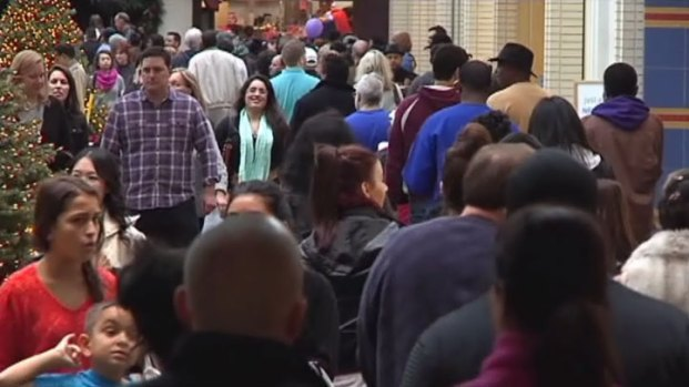 [DFW] Malls Packed with Last-Minute Shoppers