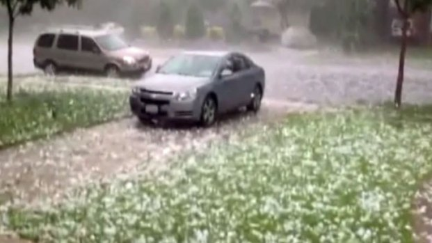 [DFW] Lower Greenville Hail Caught on Camera