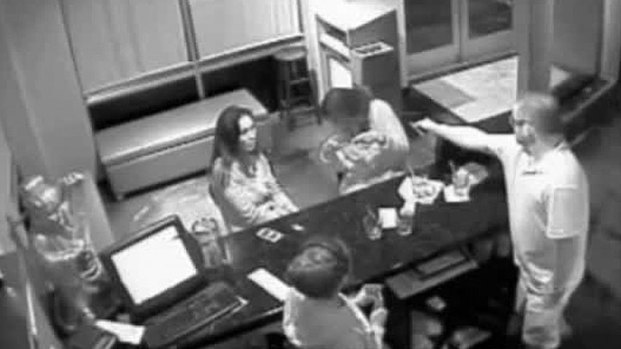 [DFW]Raw Video: Tang's Bistro Robbery