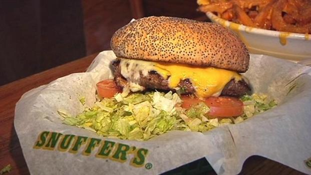 [DFW] Snuffer's Pleases Patrons for 33 Years