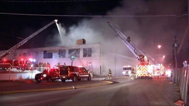 [DFW] RAW VIDEO: Warehouse Fire in Dallas