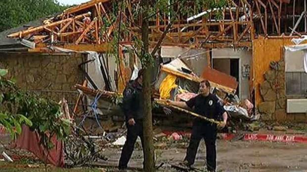 [DFW] Tornado Damages Homes, Nursing Home in Arlington