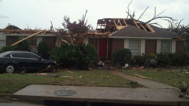 N. Texas Bama Student Shoots Tornado Aftermath