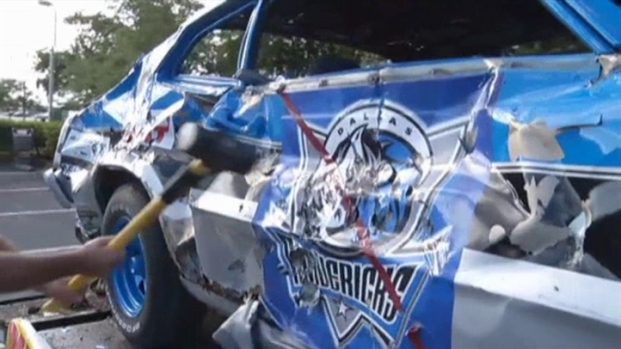 [DFW Mavs] RAW VIDEO: Miami Radio Station Smashes Mavs Car