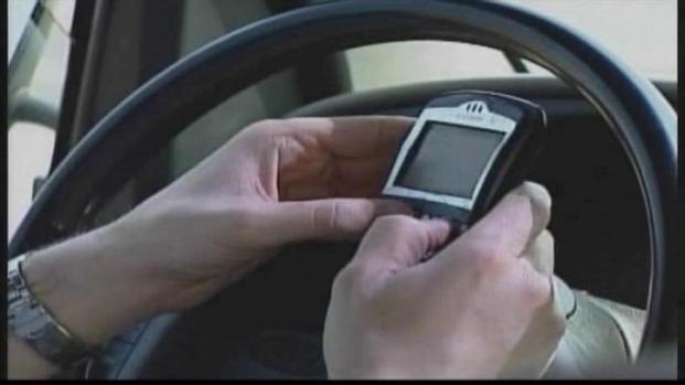 [DFW] Perry Vetoes Texting While Driving Bill