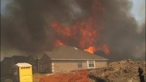 [DFW] Residents Evacuate as Wildfire Threatens Homes
