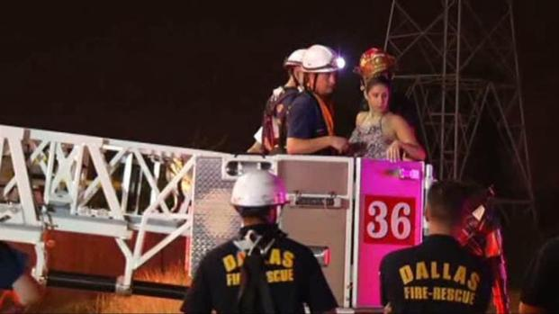 [DFW] Couple Freed After Bungee Tie-Up