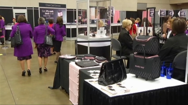 [DFW] Mary Kay Seminar Under Way in Dallas