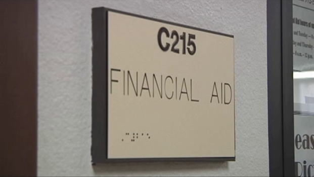 [DFW] Financial Aid Issues Plague College Students
