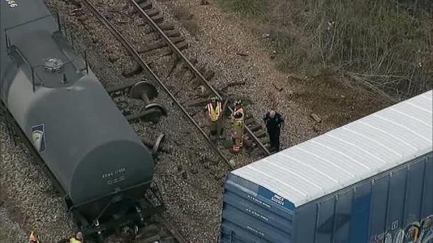 [DFW] Train Derails in Downtown Arlington (Raw Video)