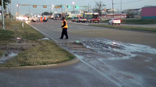 [DFW] Water Main Breaks, Sprinklers Can Also Cause Icy Roads