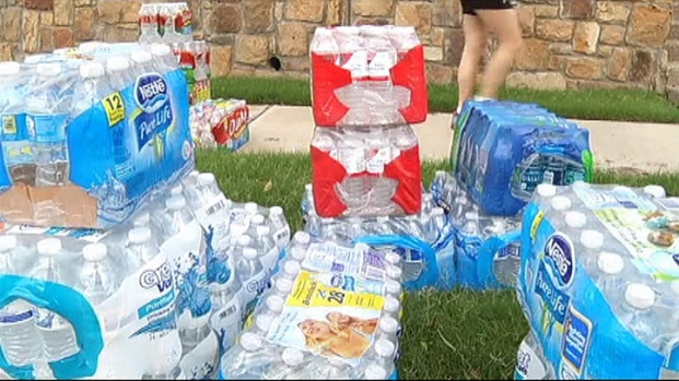 [DFW] North Texans Gather Donations for Oklahoma Tornado Victims