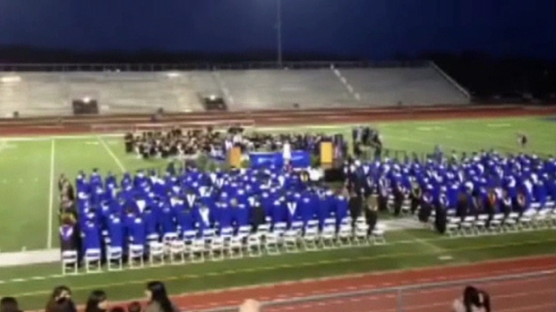 [DFW] High School Cuts Mic During Valedictorian Speech