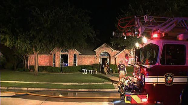 [DFW] Family Escapes Overnight House Fire
