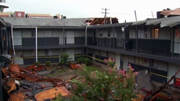 [DFW] Apartment Complex Loses Roof in Storm