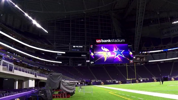Vikings' New Stadium Reflects Features at AT&T Stadium