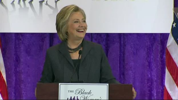 """Clinton Slams Trump on """"Birther"""" Comments"""