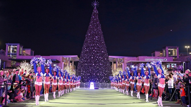 Dallas Cowboys to Host Christmas at the Star