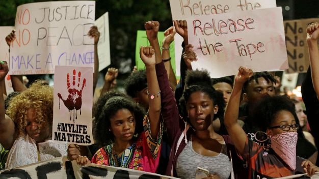 Charlotte Mayor Lifts Curfew; Protests Remain Peaceful