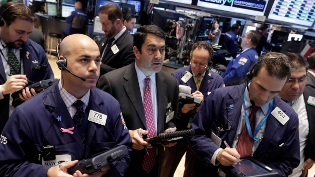 Stocks Surge Upwards on Strong GDP Growth