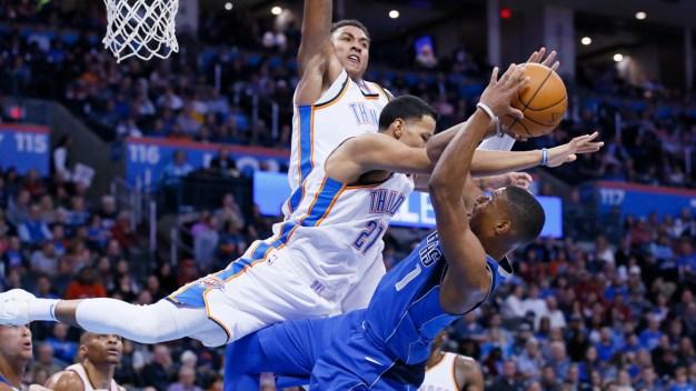 George, Westbrook Lead Thunder Past Mavs