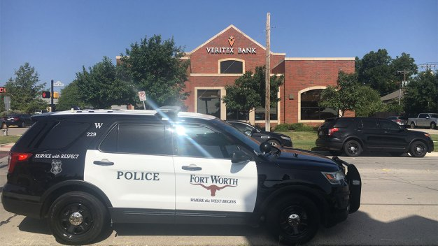 3 Women Injured in Shooting During FW Bank Robbery: Official