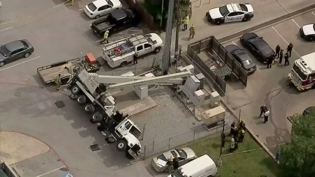 Raw Video: Crane Collapse in Downtown Dallas