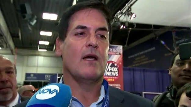 Mark Cuban Arrives at Debate