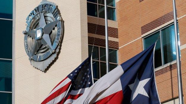 Dallas Police Struggle to Reflect Diverse Population