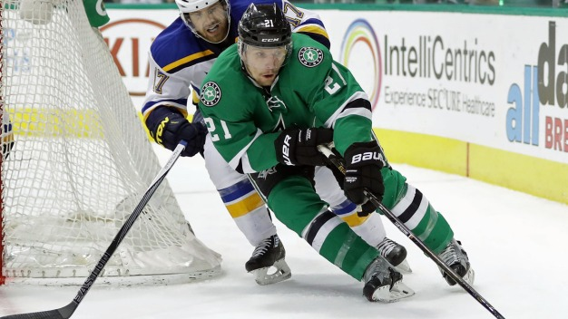 Roussel Hat Trick Helps Stars Beat Lightning in OT