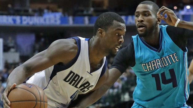 Walker Leads Balanced Effort as Hornets Beat Mavs 109-101