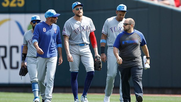 Banged-Up Rangers OF: Pence Joins Gallo on IL, Mazara Out