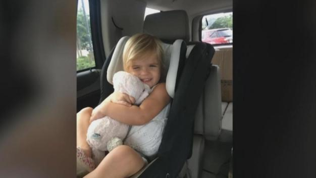 Grocery Store Workers Reunite Girl with Her Lost Bunny