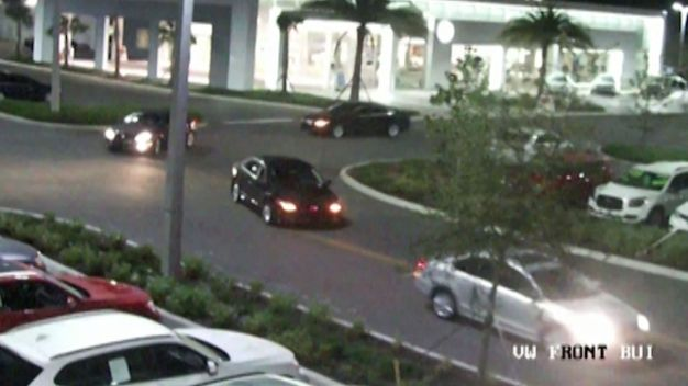 Volkswagen Heist Caught On Camera