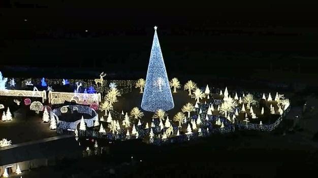 RAW VIDEO: Enchant Christmas Opens in Arlington