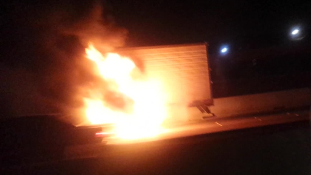 Big-Rig Fire Closes NB I-35W in Fort Worth
